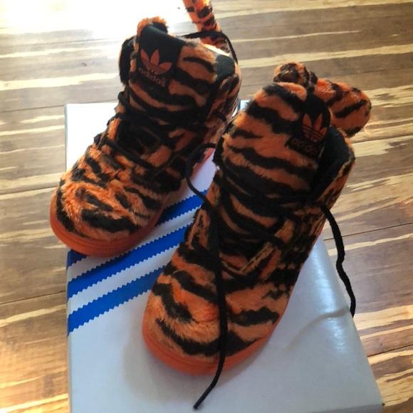 adidas Shoes Sjælden Jeremy Scott Tiger størrelse 95Poshmark  Jeremy Scott Js Tiger 1 Adidas